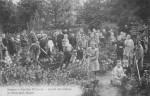 Date inconnue : élèves dans le potager du jardin des élèves